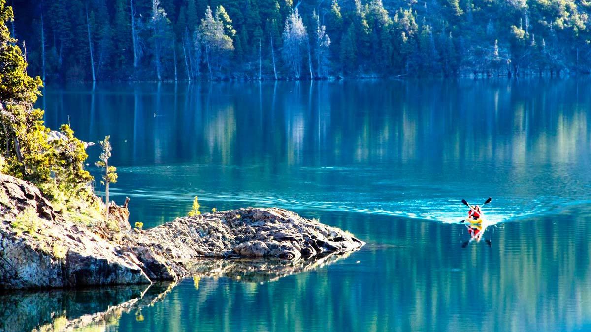 epuyen-lake-spanish-argentina-patagonia