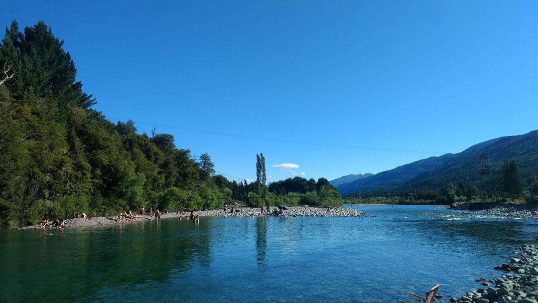rio-azul-el-bolson-study-spanish-patagonia